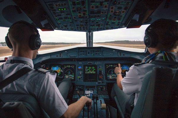Pilotenkoffer fürs Cockpit